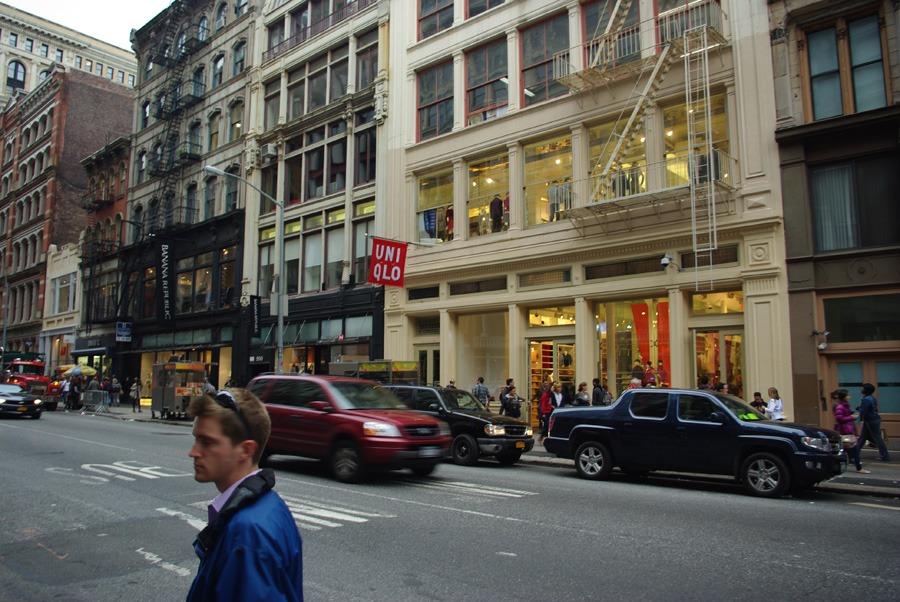 uniqlo-flagship-soho-new-york-city