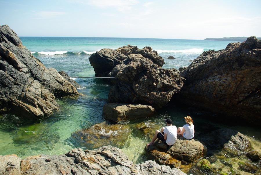 beach-view-lighthouse-seal-rocks