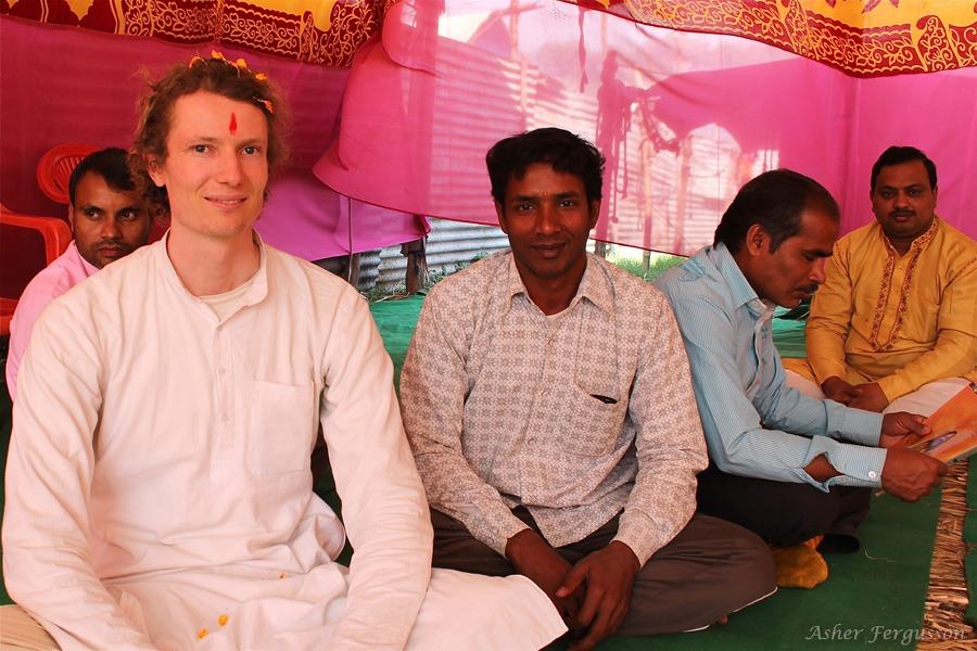 Asher Fergusson with Vedic Pandit - Kumbh Mela, Allahabad